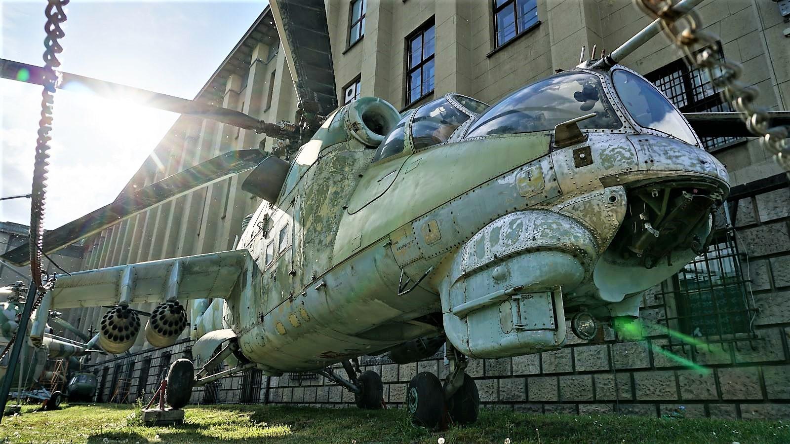 smiglowiec szturmowy mi 24d muzeum wojska polskiego