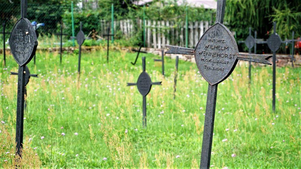 cmentarz wojenny wbodzentynie