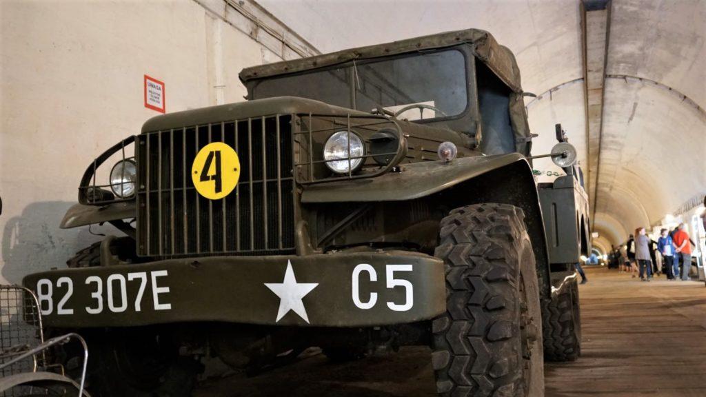wojskowe pojazdy wykorzystuje sie whistorycznych piknikach izlotach fanow historii wkonewce