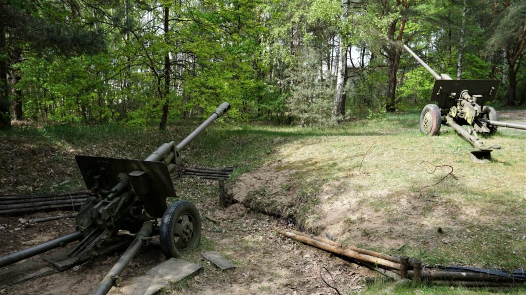 Skansen Bojowy IArmii Wojska Polskiego wMniszewie ma także wswych zbiorach haubice