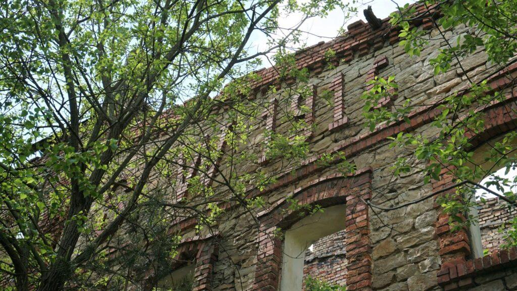 Inicjały budowniczego irok budowy starej cegielni