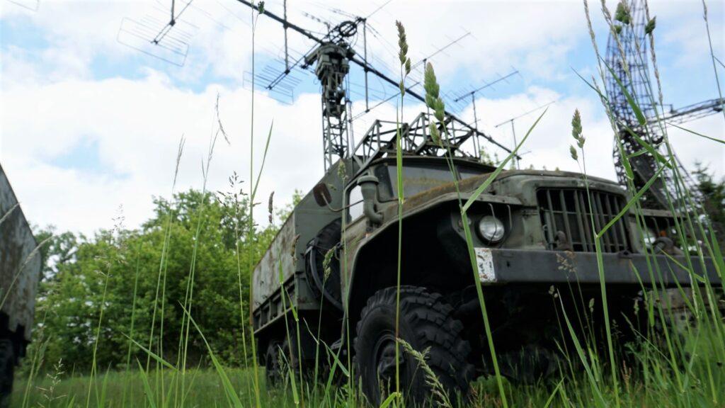 """Stacja radiolokacyjna wykrywania inaprowadzania """"Laura"""" wMuzeum Polskiej Techniki Wojskowej"""