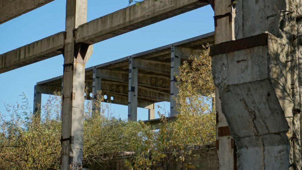 Cementownia wWierzbicy jest dziś ruiną