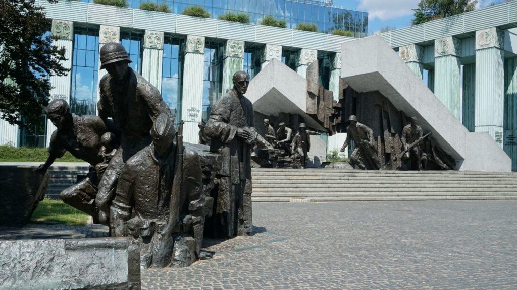 Pomnik Powstania Warszawskiego, Długa 22