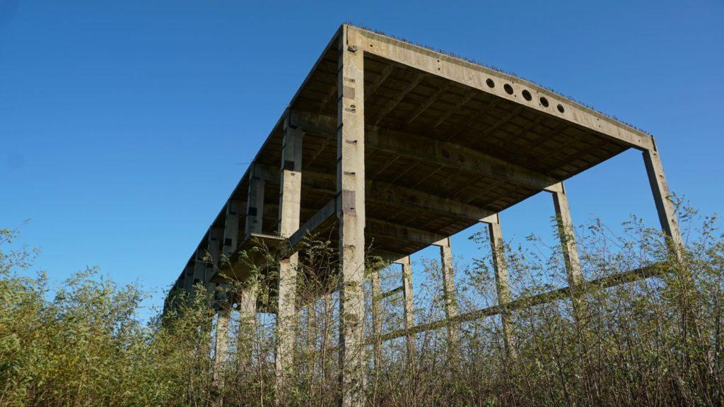 Cementownia wWierzbicy - szkielet budynku
