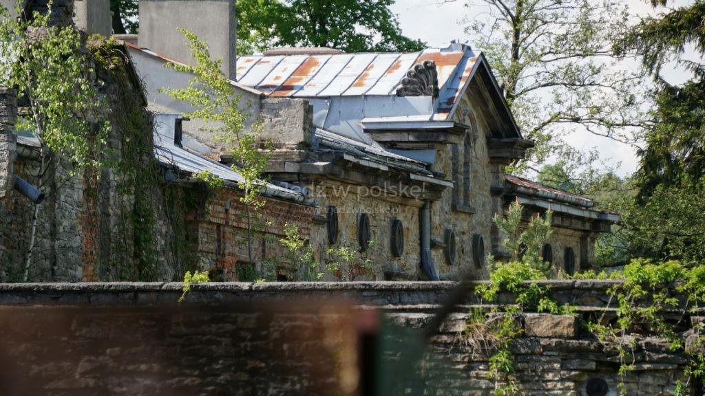 zamki i pałace w województwie świętokrzyskim