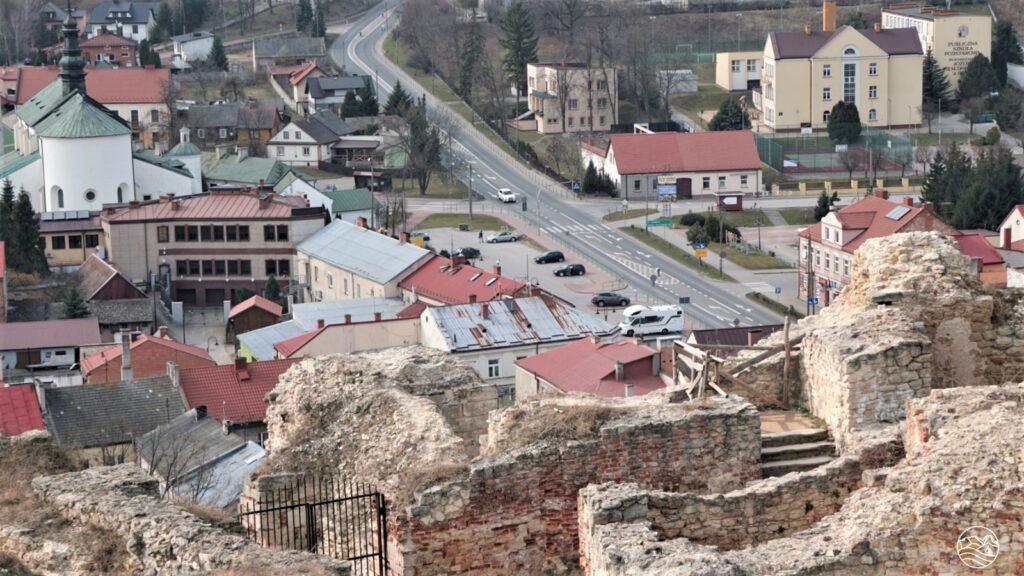 centrum Iłży - widok zzamku