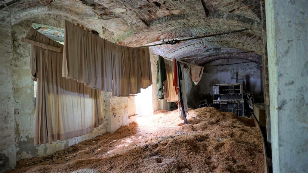 pranie wopuszczonej fabryce kafli
