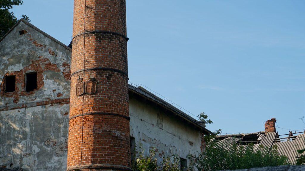 komin wstarej gorzelni - czyurbex jest legalny